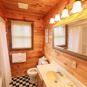 2 Bathroom Cottage 10