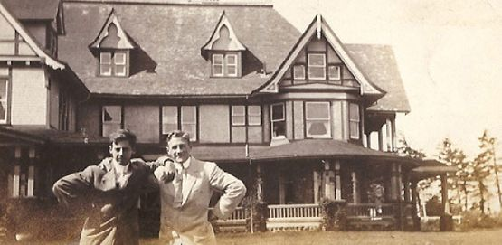 Two men in front of the Dalvay house